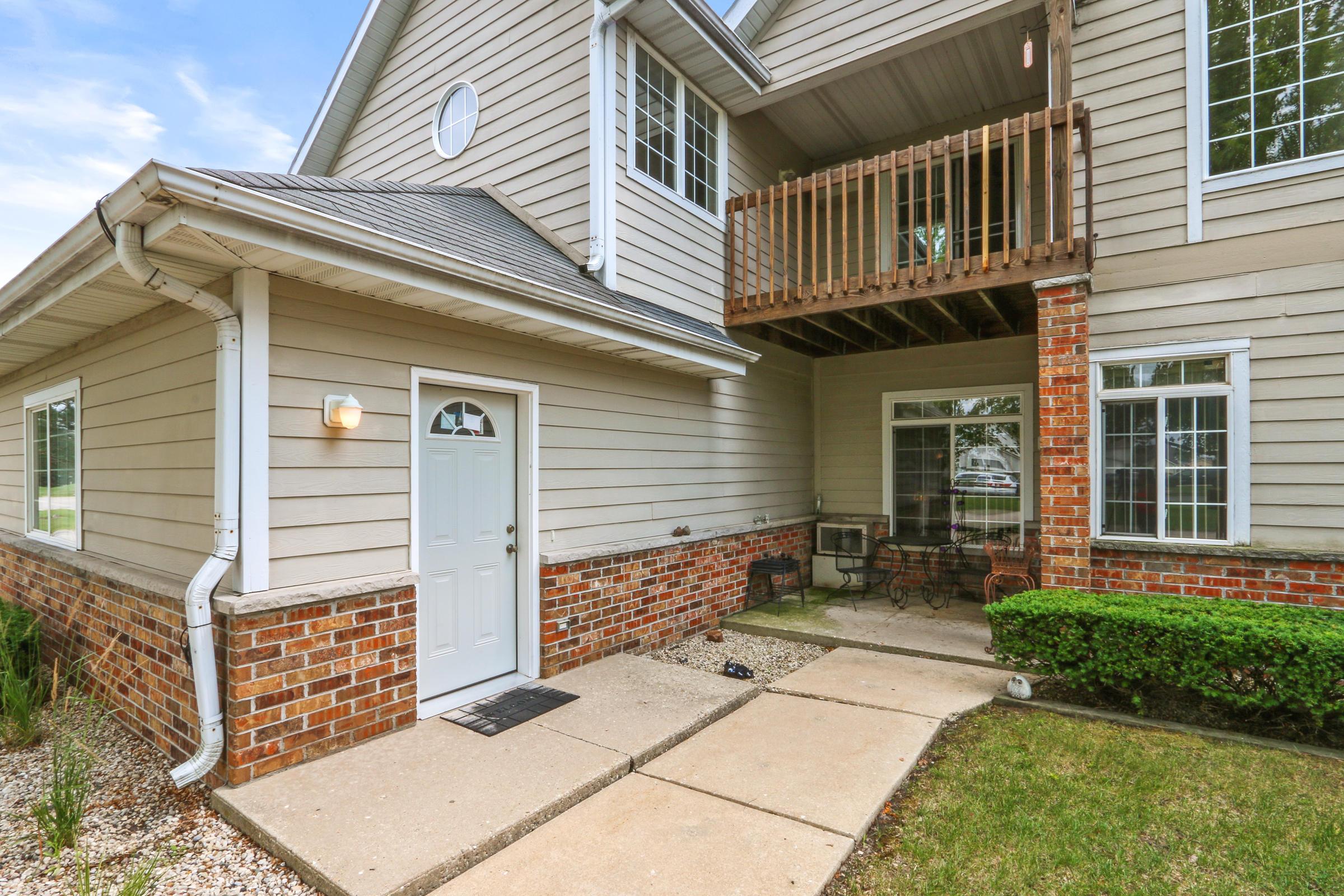 509 Lawson School Rd, Delavan, Wisconsin 53115, 2 Bedrooms Bedrooms, 6 Rooms Rooms,1 BathroomBathrooms,Condominiums,For Sale,Lawson School Rd,2,1755605