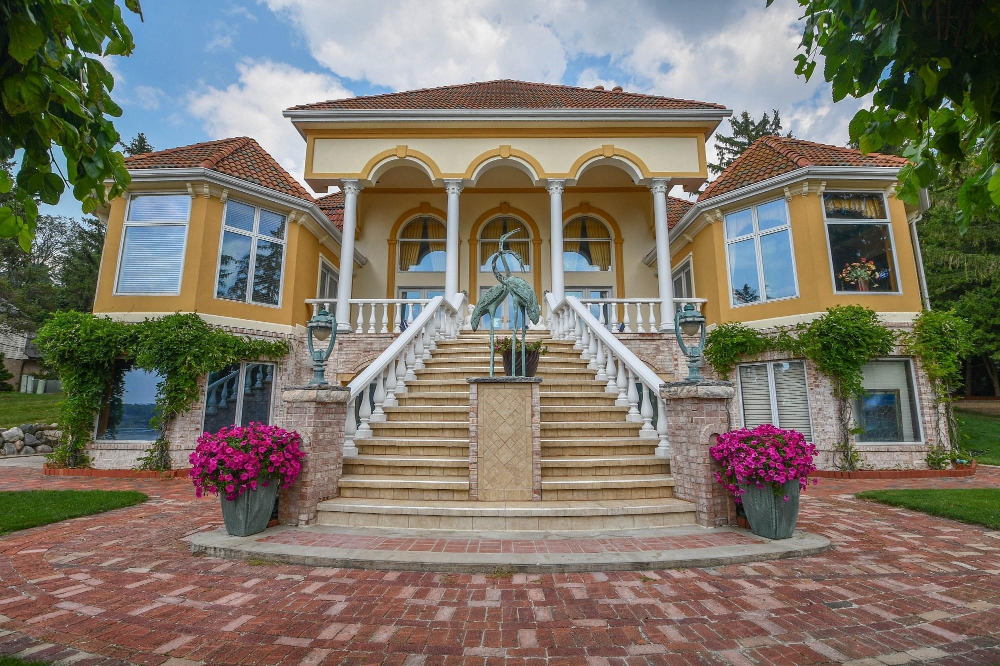 34625 Springbank Rd, Oconomowoc Lake, Wisconsin 53066, 6 Bedrooms Bedrooms, 14 Rooms Rooms,5 BathroomsBathrooms,Single-Family,For Sale,Springbank Rd,1756812