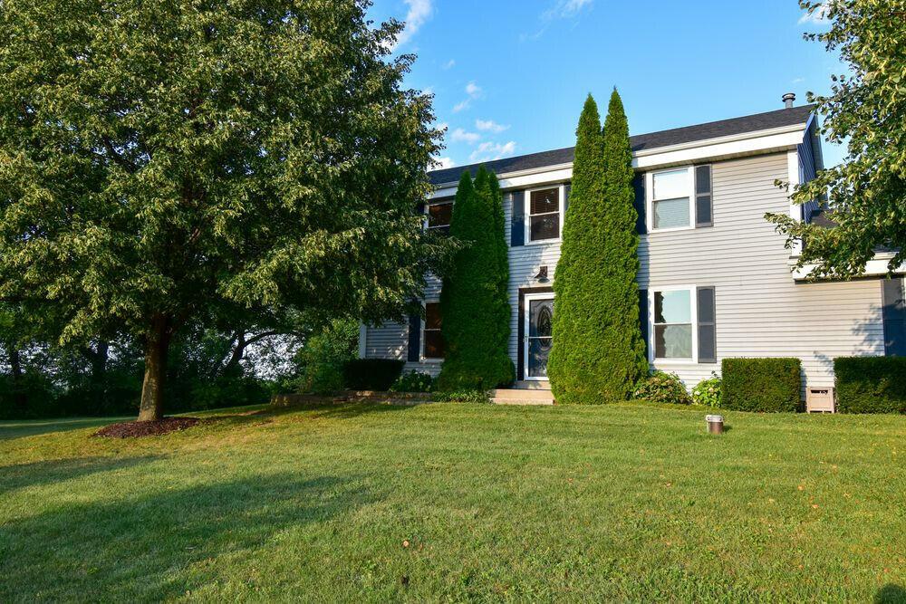 W284N934 Cherry Ln, Delafield, Wisconsin 53188, 4 Bedrooms Bedrooms, 8 Rooms Rooms,2 BathroomsBathrooms,Single-Family,For Sale,Cherry Ln,1761977