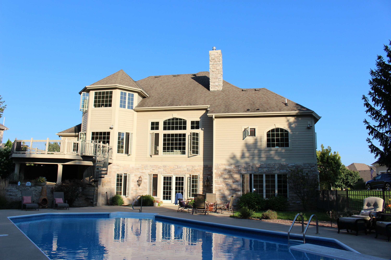 1137 Colonial Dr, Hartland, Wisconsin 53029, 5 Bedrooms Bedrooms, 15 Rooms Rooms,4 BathroomsBathrooms,Single-Family,For Sale,Colonial Dr,1763602