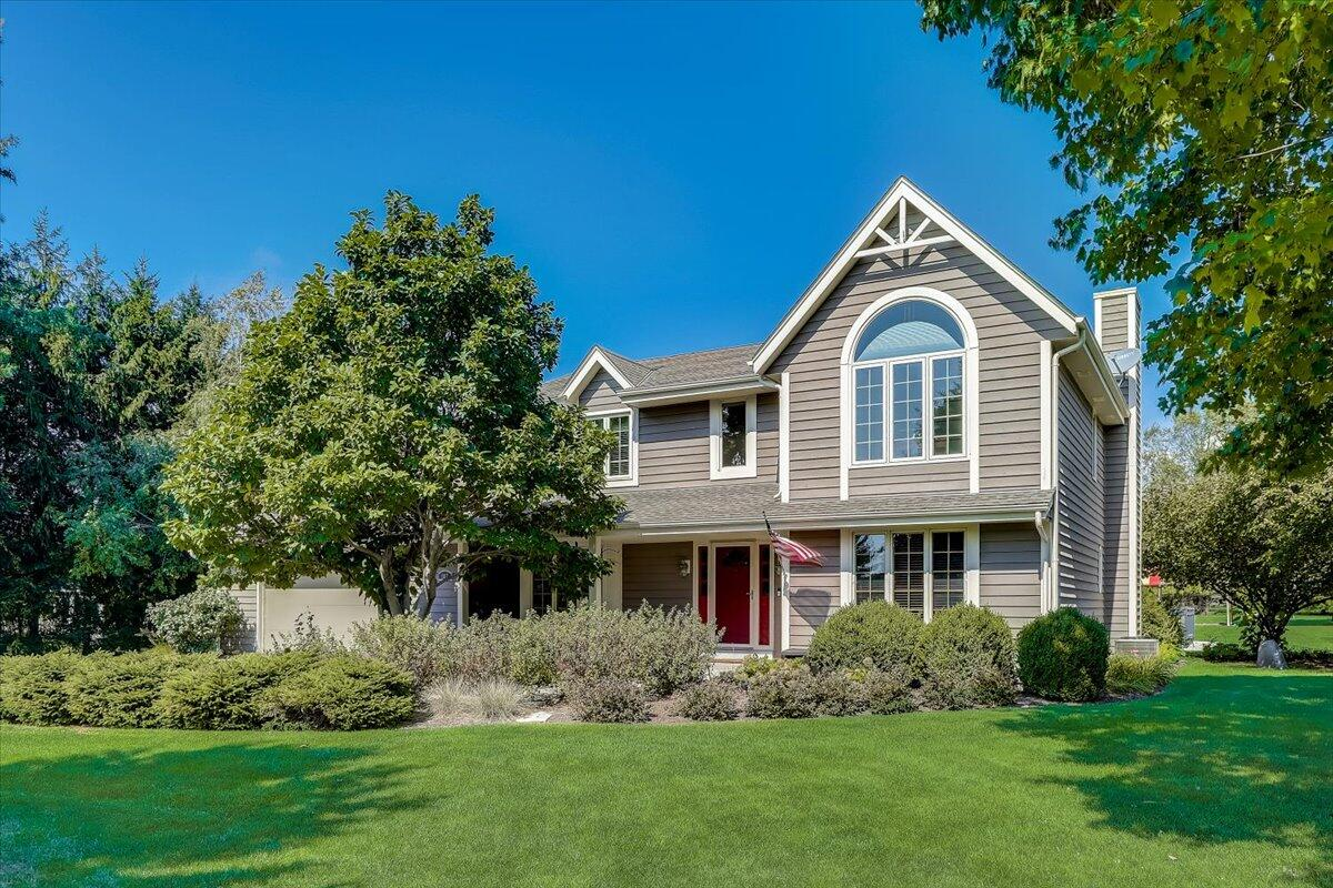 387 Copperfield Dr, Delafield, Wisconsin 53018, 4 Bedrooms Bedrooms, ,2 BathroomsBathrooms,Single-Family,For Sale,Copperfield Dr,1764116