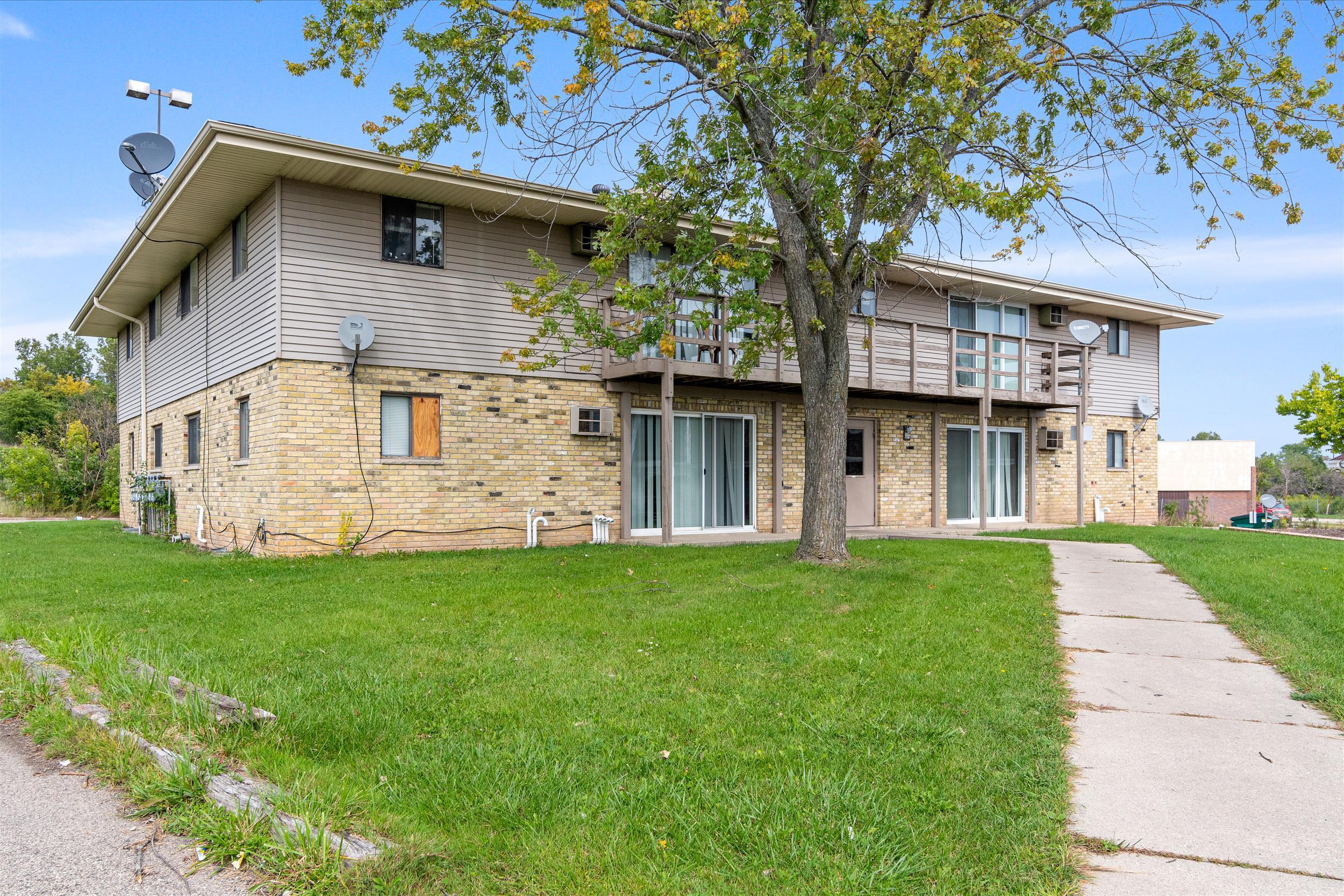 8341 W Northridge Ct