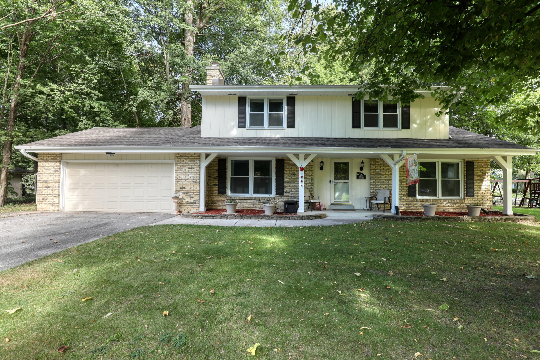 N26W22126 Glenwood Ln, Pewaukee, Wisconsin 53186, 4 Bedrooms Bedrooms, ,2 BathroomsBathrooms,Single-Family,For Sale,Glenwood Ln,1764780