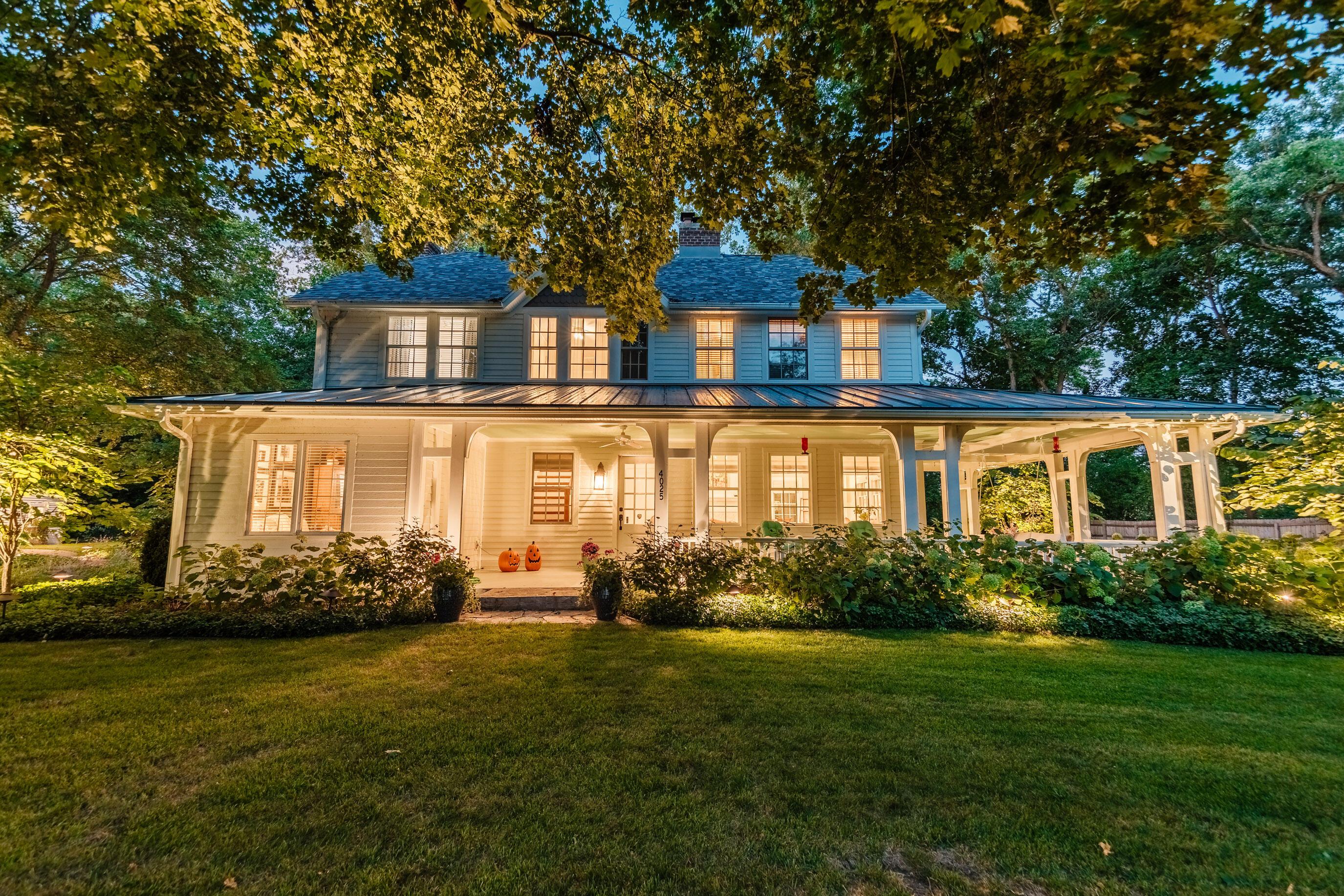 4025 Sawyer Rd, Oconomowoc Lake, Wisconsin 53066, 3 Bedrooms Bedrooms, 12 Rooms Rooms,3 BathroomsBathrooms,Single-Family,For Sale,Sawyer Rd,1765963