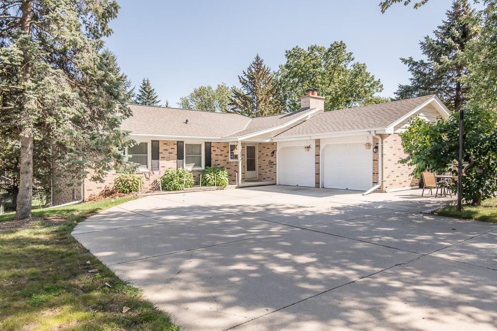 630 Brandt Ct, Pewaukee, Wisconsin 53072, 4 Bedrooms Bedrooms, ,2 BathroomsBathrooms,Single-Family,For Sale,Brandt Ct,1764932