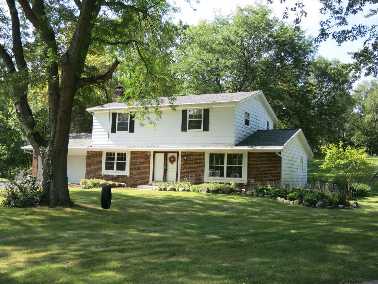 W318N715 Partridge Run, Delafield, Wisconsin 53018, 4 Bedrooms Bedrooms, 7 Rooms Rooms,2 BathroomsBathrooms,Single-Family,For Sale,Partridge Run,1765198