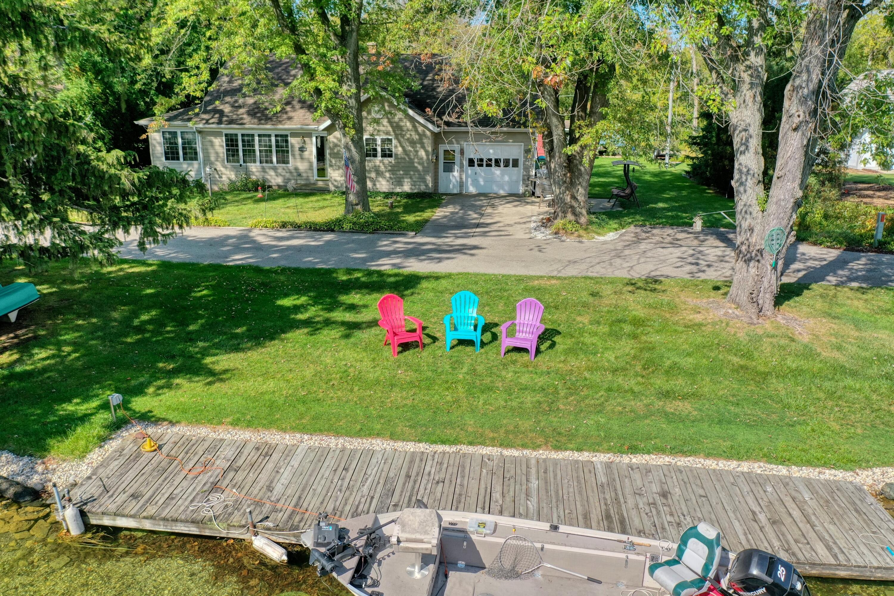 4657 River Rd, Oconomowoc Lake, Wisconsin 53066, 3 Bedrooms Bedrooms, 8 Rooms Rooms,1 BathroomBathrooms,Single-Family,For Sale,River Rd,1765913