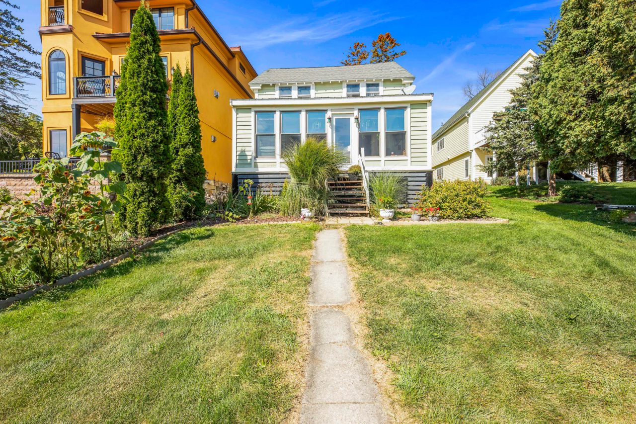 N26W30285 Maple Ave, Delafield, Wisconsin 53072, 2 Bedrooms Bedrooms, ,1 BathroomBathrooms,Single-Family,For Sale,Maple Ave,1765732