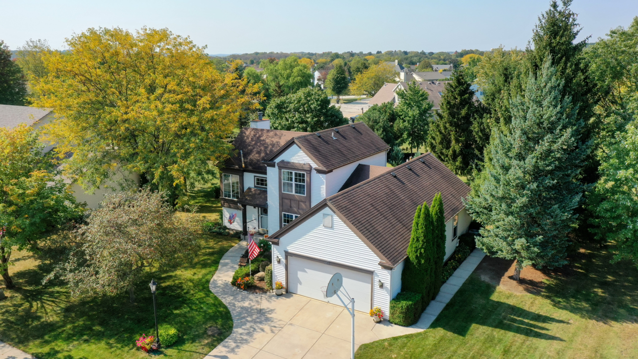 1231 Turnberry Dr, Pewaukee, Wisconsin 53072, 3 Bedrooms Bedrooms, 8 Rooms Rooms,2 BathroomsBathrooms,Single-Family,For Sale,Turnberry Dr,1765982