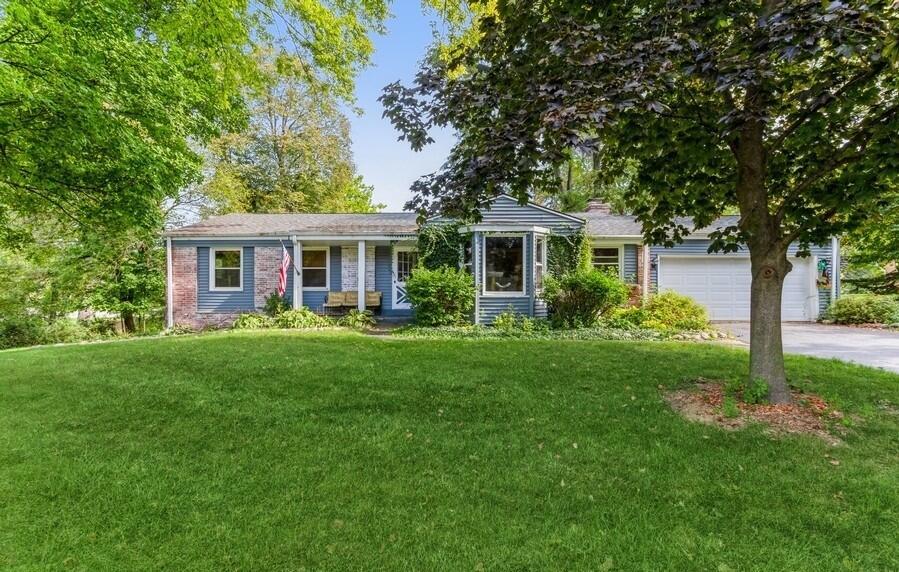 3200 Jerri Ct, Brookfield, Wisconsin 53045, 3 Bedrooms Bedrooms, 10 Rooms Rooms,2 BathroomsBathrooms,Single-Family,For Sale,Jerri Ct,1767239