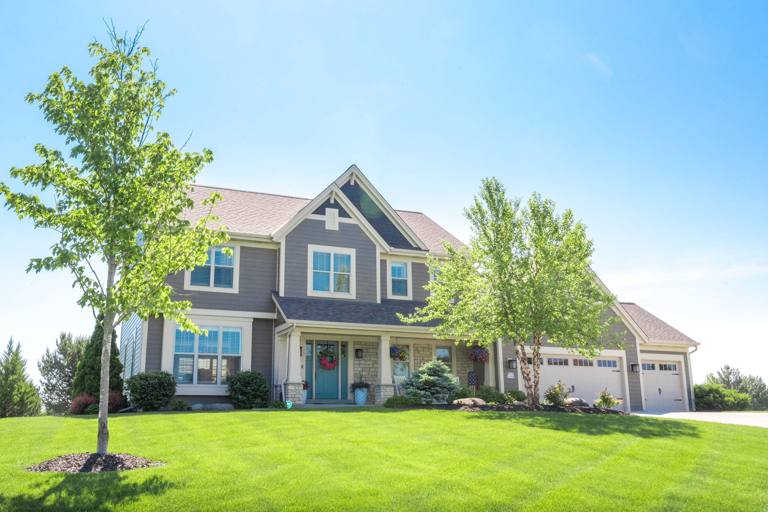 W239N3798 River Birch Ct, Pewaukee, Wisconsin 53072, 5 Bedrooms Bedrooms, ,3 BathroomsBathrooms,Single-Family,For Sale,River Birch Ct,1767087