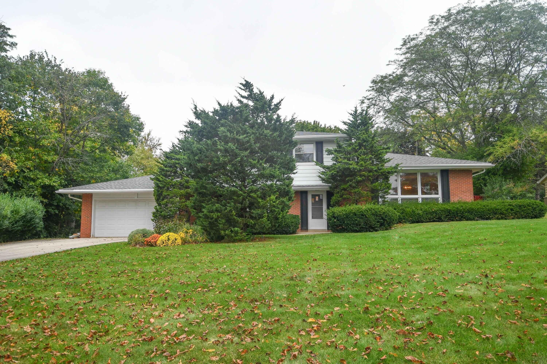 17000 Burleigh Pl, Brookfield, Wisconsin 53005, 5 Bedrooms Bedrooms, 9 Rooms Rooms,2 BathroomsBathrooms,Single-Family,For Sale,Burleigh Pl,1767218