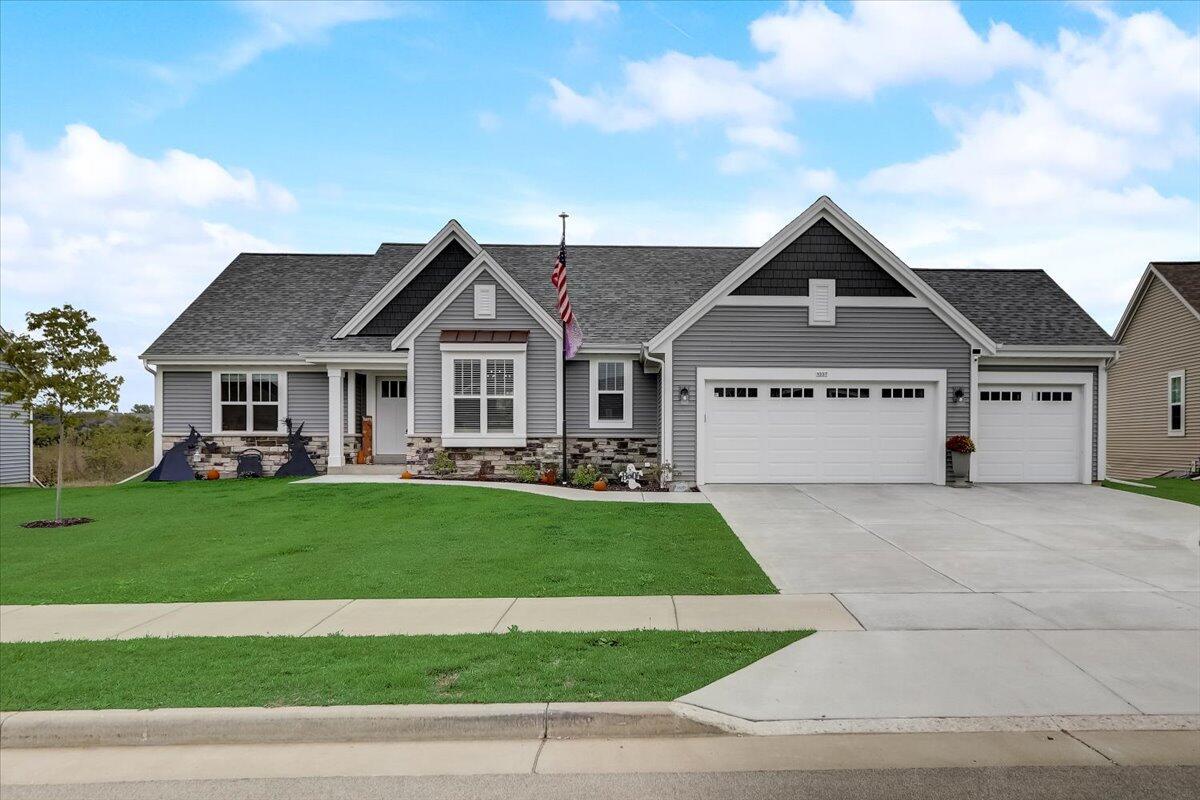 1337 Bluestem Trl, Oconomowoc, Wisconsin 53066, 3 Bedrooms Bedrooms, 7 Rooms Rooms,2 BathroomsBathrooms,Single-Family,For Sale,Bluestem Trl,1765827