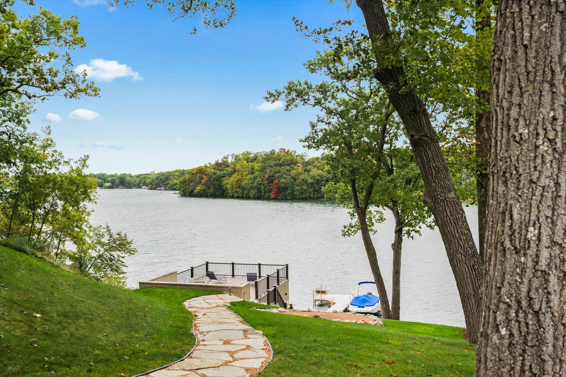34352 Valley Rd, Delafield, Wisconsin 53066, 4 Bedrooms Bedrooms, 9 Rooms Rooms,3 BathroomsBathrooms,Single-Family,For Sale,Valley Rd,1766621