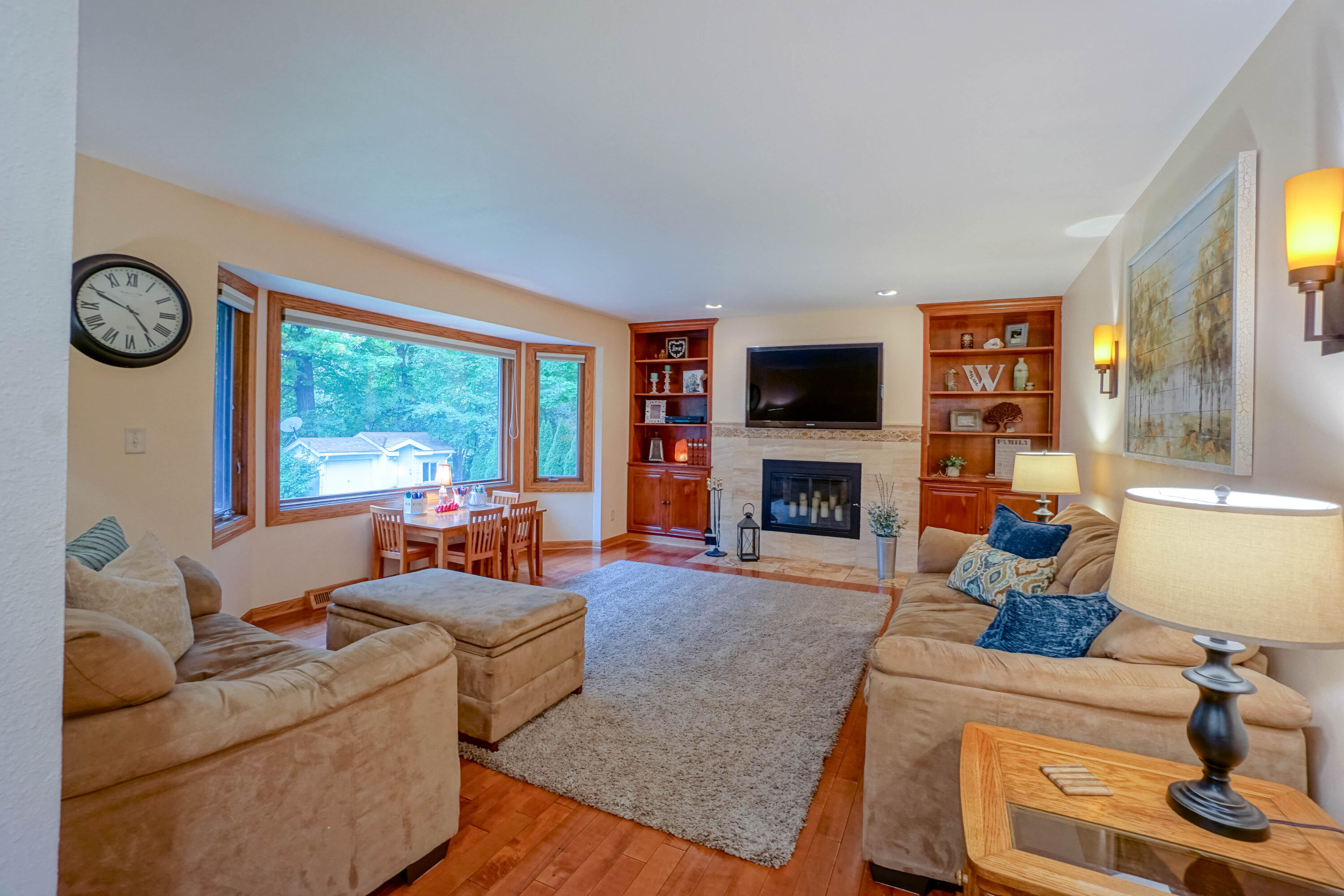 16940 Tanglewood Dr, Brookfield, Wisconsin 53005, 5 Bedrooms Bedrooms, 10 Rooms Rooms,2 BathroomsBathrooms,Single-Family,For Sale,Tanglewood Dr,1766992