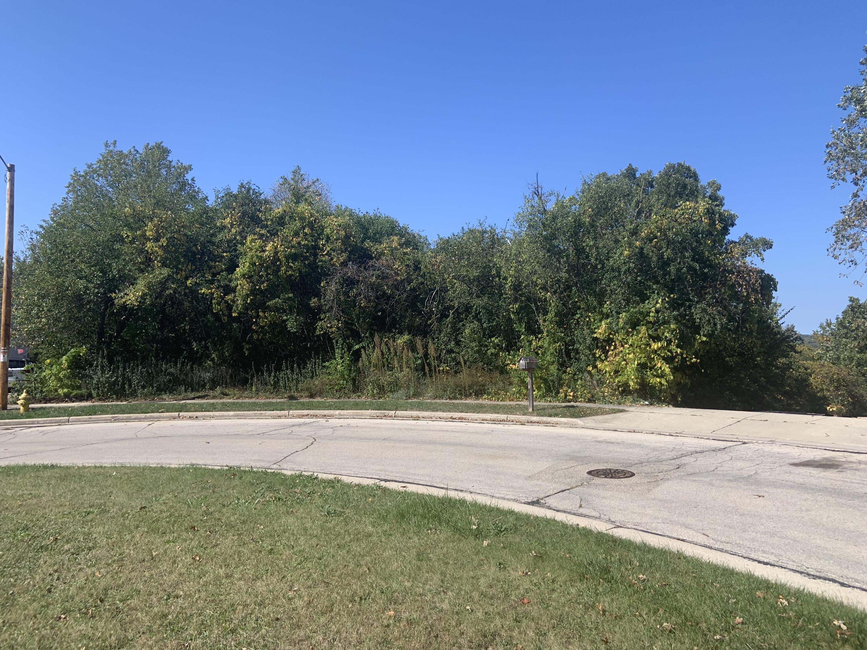 Lt17 Woodfield Cir, Waukesha, Wisconsin 53188, ,Vacant Land,For Sale,Woodfield Cir,1767465