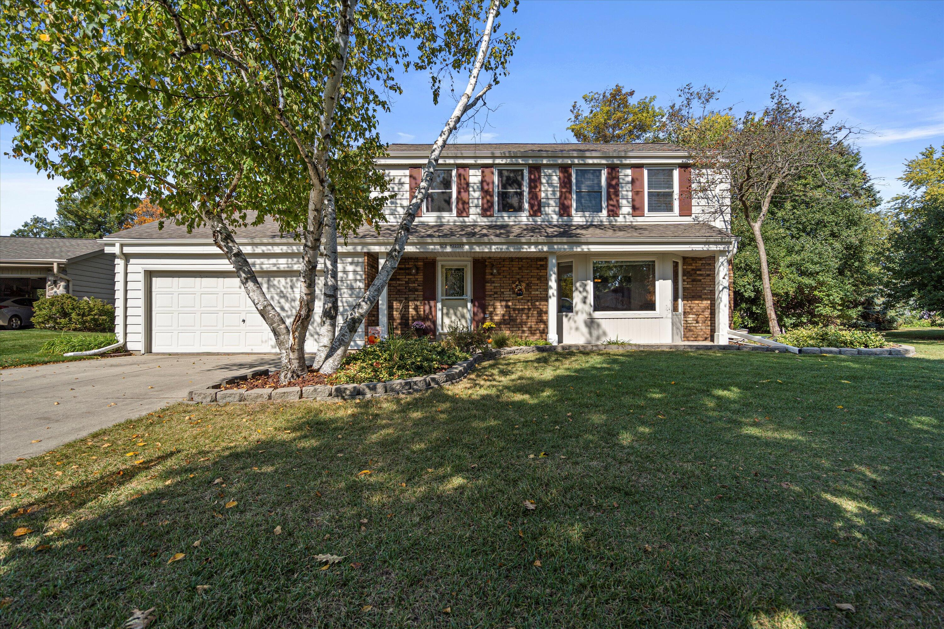 N22W22347 Rosewood Ct, Pewaukee, Wisconsin 53186, 4 Bedrooms Bedrooms, 9 Rooms Rooms,3 BathroomsBathrooms,Single-Family,For Sale,Rosewood Ct,1767164