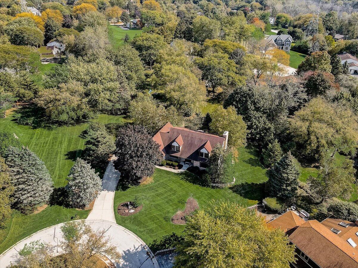 1330 Centennial Ct, Brookfield, Wisconsin 53045, 4 Bedrooms Bedrooms, 9 Rooms Rooms,2 BathroomsBathrooms,Single-Family,For Sale,Centennial Ct,1767128