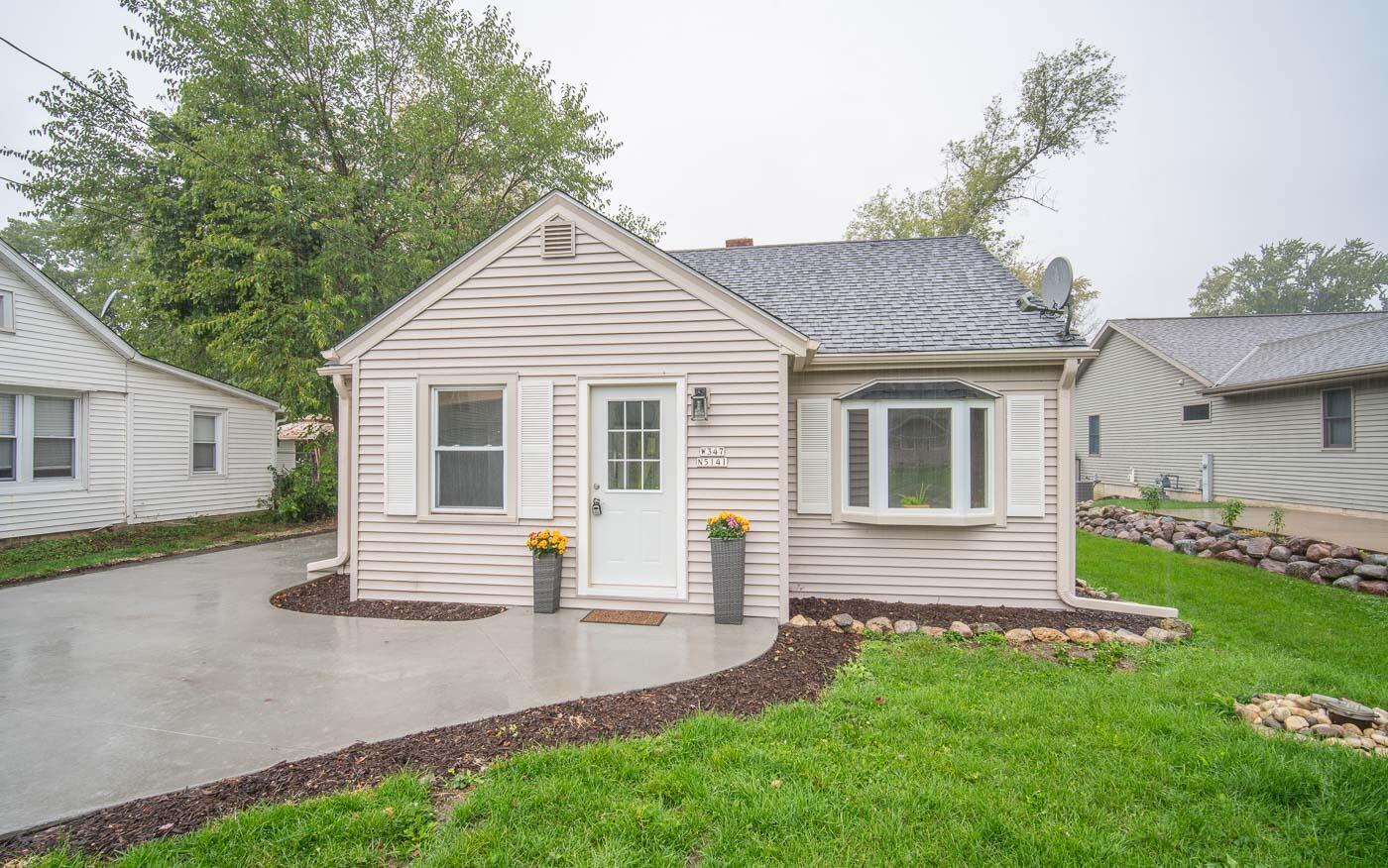 W347N5141 Road Q, Oconomowoc, Wisconsin 53069, 3 Bedrooms Bedrooms, 5 Rooms Rooms,1 BathroomBathrooms,Single-Family,For Sale,Road Q,1767170
