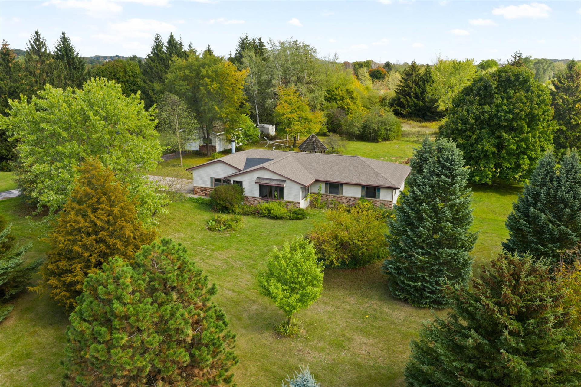 W239S5144 Highway 164, Waukesha, Wisconsin 53189, 3 Bedrooms Bedrooms, 7 Rooms Rooms,1 BathroomBathrooms,Single-Family,For Sale,Highway 164,1767321