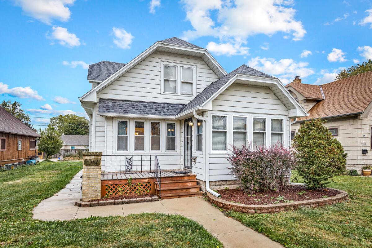142 Roberta Ave, Waukesha, Wisconsin 53186, 3 Bedrooms Bedrooms, ,1 BathroomBathrooms,Single-Family,For Sale,Roberta Ave,1767532
