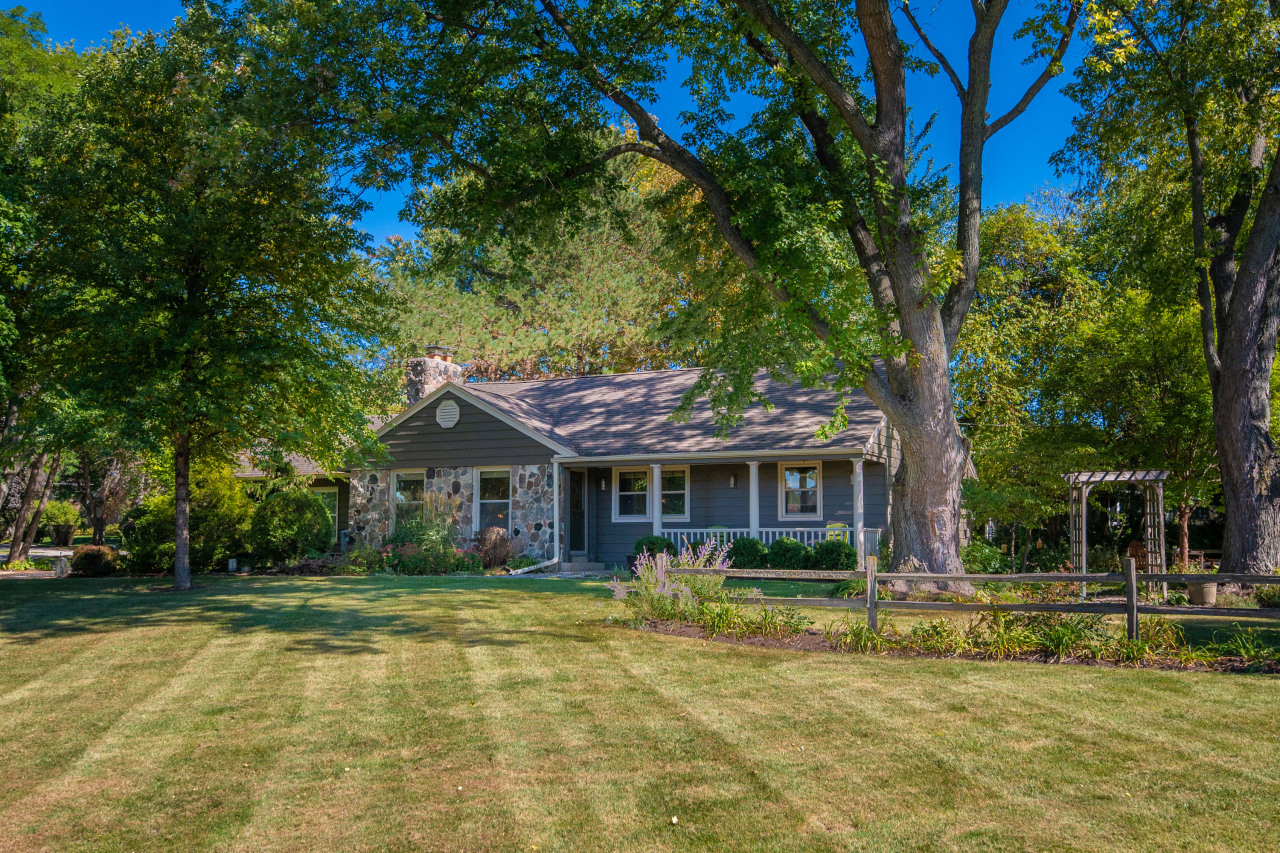 3060 Burlawn Pkwy, Brookfield, Wisconsin 53005, 2 Bedrooms Bedrooms, ,2 BathroomsBathrooms,Single-Family,For Sale,Burlawn Pkwy,1767401