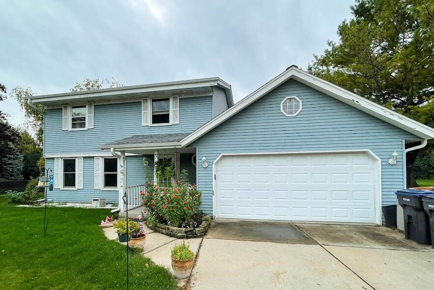 1200 Willow Grove Dr, Pewaukee, Wisconsin 53072, 3 Bedrooms Bedrooms, 9 Rooms Rooms,2 BathroomsBathrooms,Single-Family,For Sale,Willow Grove Dr,1764465