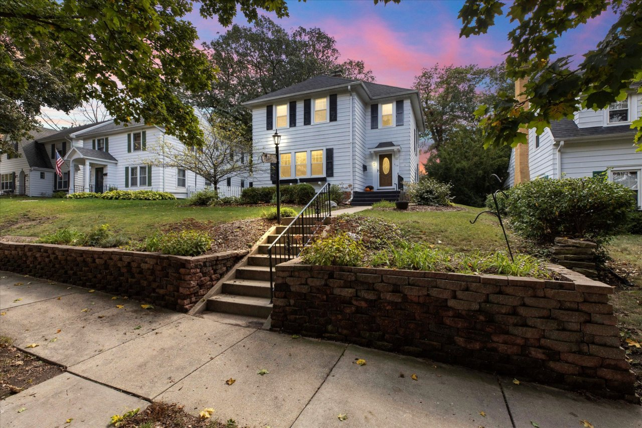 119 Newhall Ave, Waukesha, Wisconsin 53186, 3 Bedrooms Bedrooms, ,1 BathroomBathrooms,Single-Family,For Sale,Newhall Ave,1767452