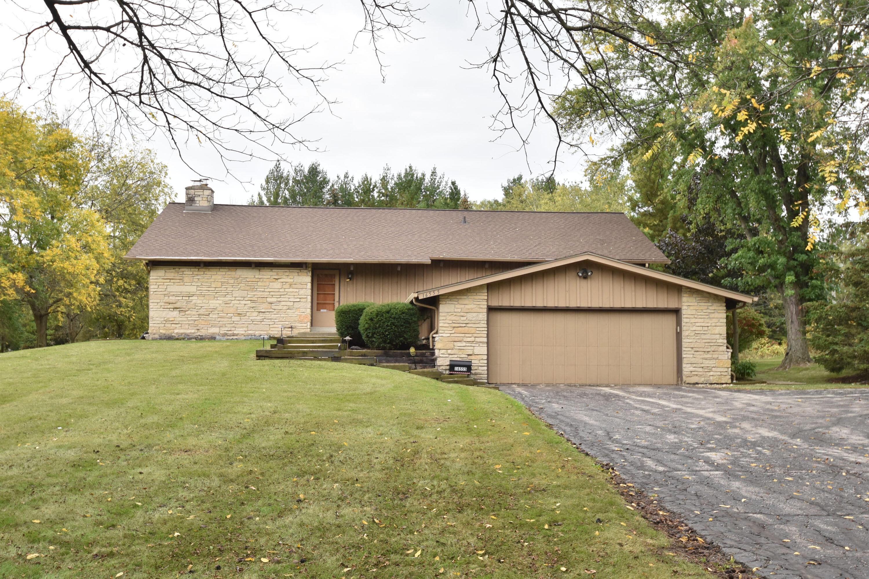 16555 Gebhardt Rd, Brookfield, Wisconsin 53005, 5 Bedrooms Bedrooms, 8 Rooms Rooms,3 BathroomsBathrooms,Single-Family,For Sale,Gebhardt Rd,1767817