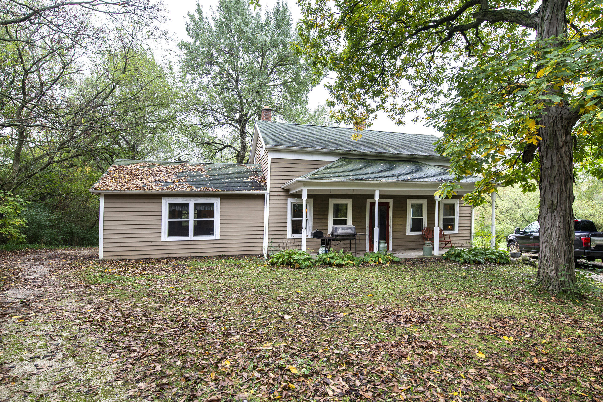 S47W22777 Lawnsdale Rd, Waukesha, Wisconsin 53189, 2 Bedrooms Bedrooms, 5 Rooms Rooms,1 BathroomBathrooms,Single-Family,For Sale,Lawnsdale Rd,1767906