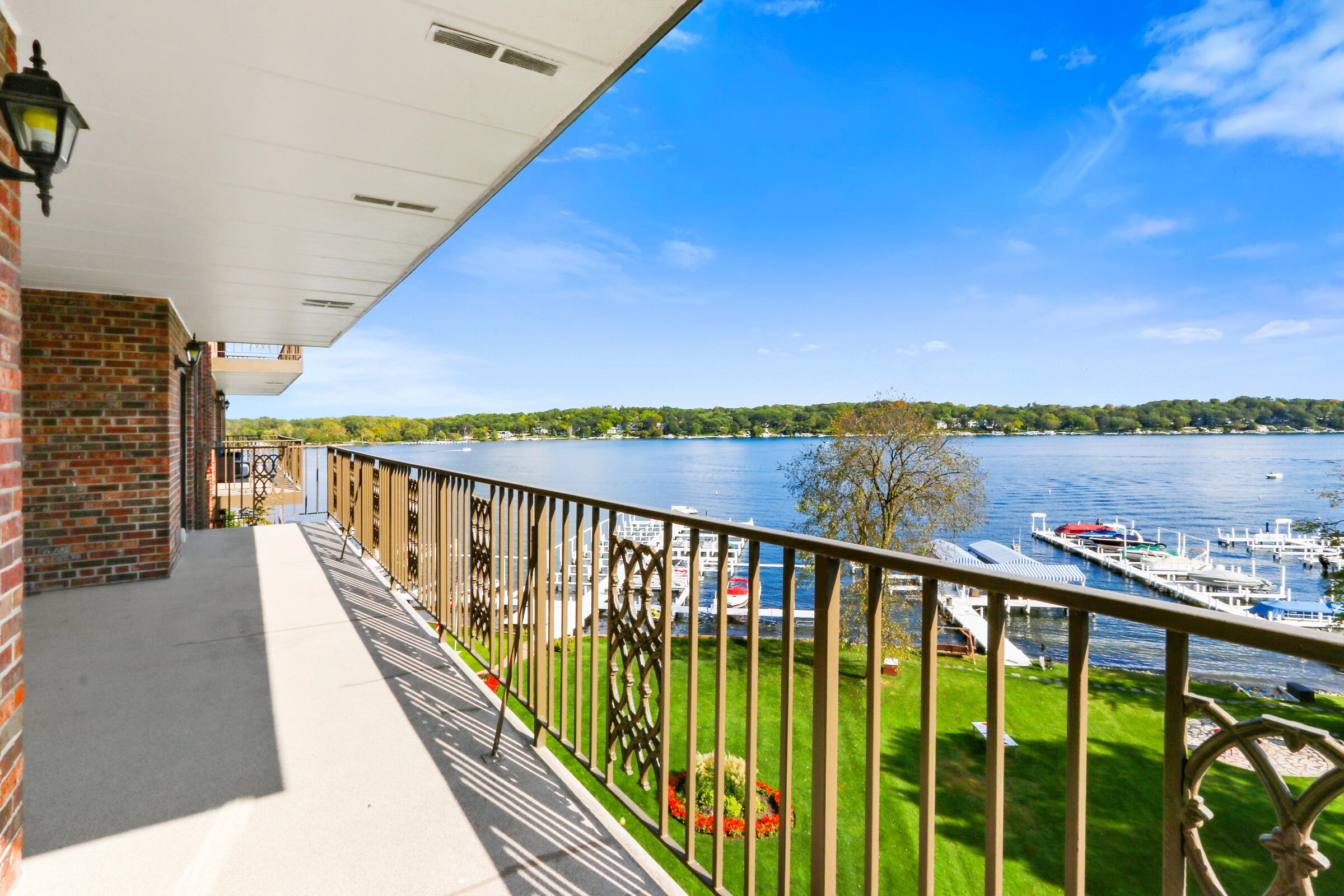 9 Walworth Ave, Williams Bay, Wisconsin 53191, 2 Bedrooms Bedrooms, 5 Rooms Rooms,2 BathroomsBathrooms,Condominiums,For Sale,Walworth Ave,6,1767976