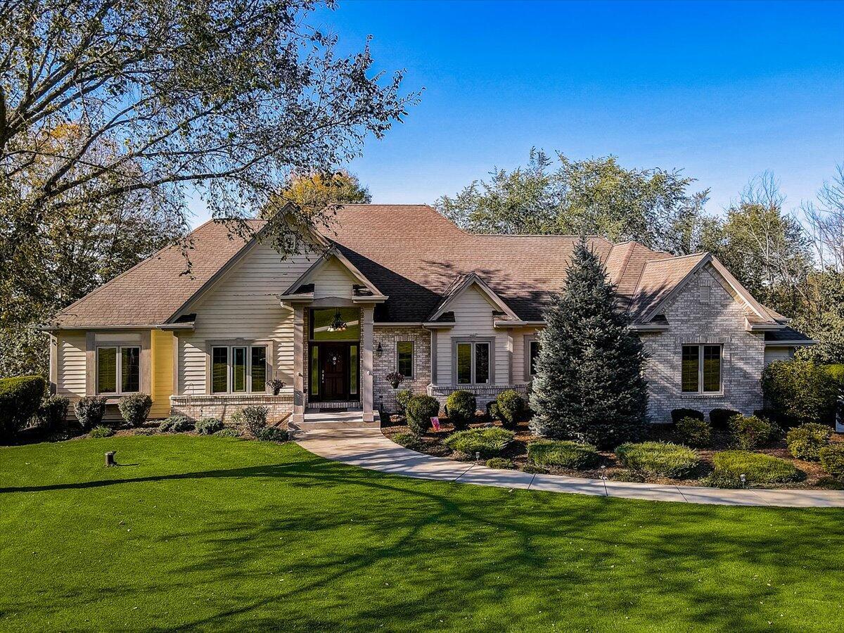W248S6115 Deerfield Cir, Waukesha, Wisconsin 53189, 3 Bedrooms Bedrooms, 11 Rooms Rooms,3 BathroomsBathrooms,Single-Family,For Sale,Deerfield Cir,1768139