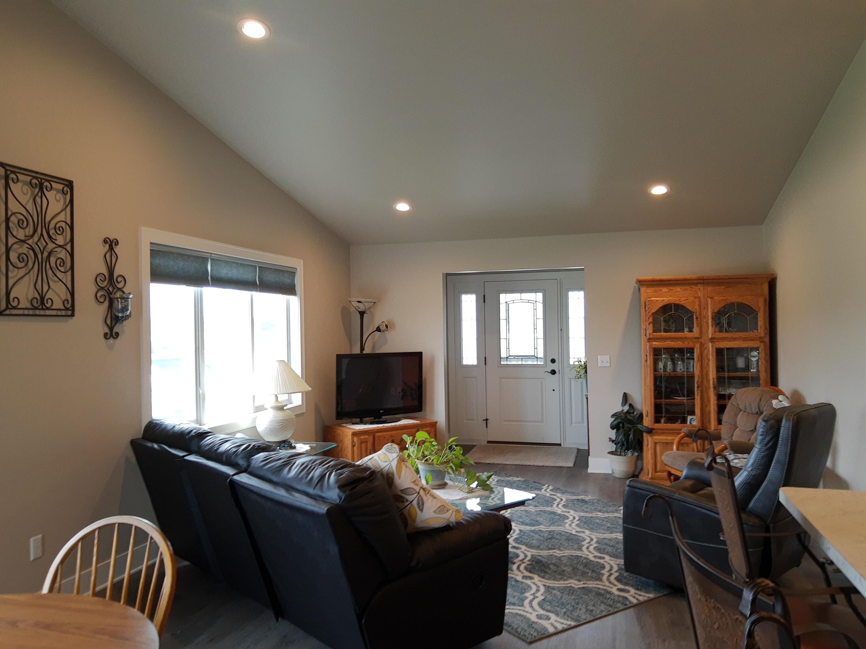 307 Towne Dr, Random Lake, Wisconsin 53075, 2 Bedrooms Bedrooms, ,2 BathroomsBathrooms,Condominiums,For Sale,Towne Dr,1,1768276