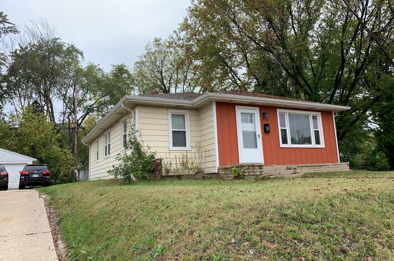 818 Moreland, Waukesha, Wisconsin 53186, 3 Bedrooms Bedrooms, ,1 BathroomBathrooms,Single-Family,For Sale,Moreland,1768153