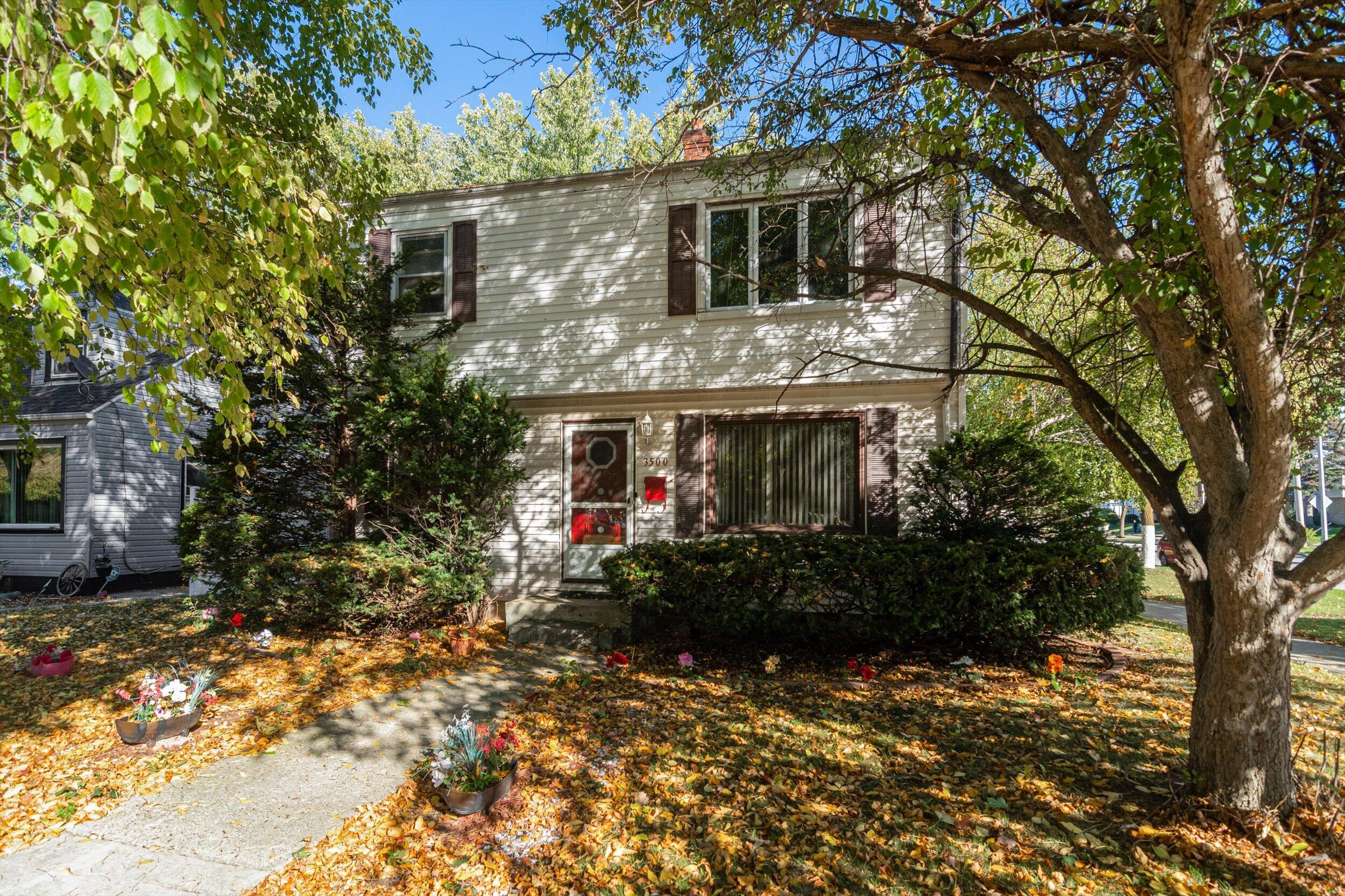 3500 62nd, Milwaukee, Wisconsin 53216, 2 Bedrooms Bedrooms, 5 Rooms Rooms,1 BathroomBathrooms,Two-Family,For Sale,62nd,1,1768207