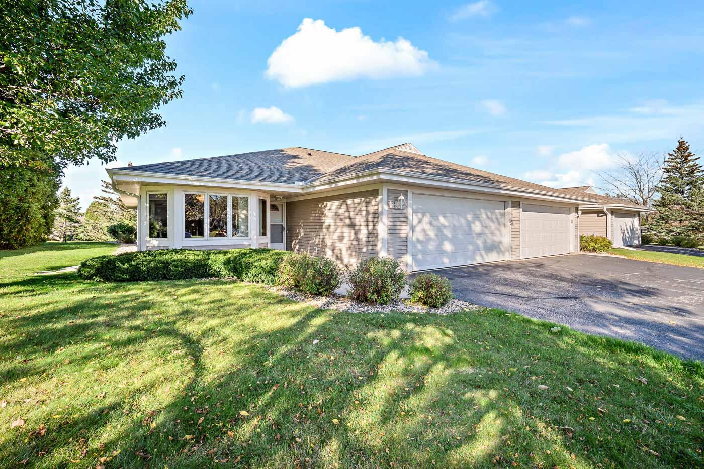 7224 Mequon Square Dr, Mequon, Wisconsin 53092, 2 Bedrooms Bedrooms, 5 Rooms Rooms,2 BathroomsBathrooms,Condominiums,For Sale,Mequon Square Dr,1,1768213