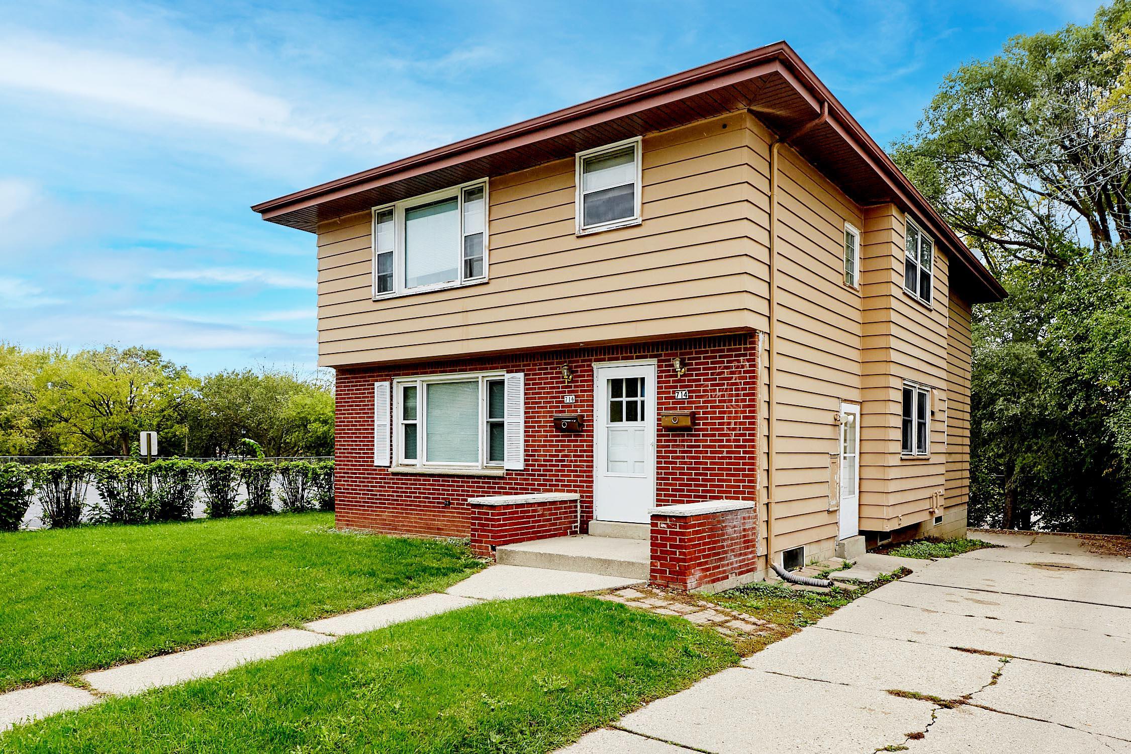 714 John St, Waukesha, Wisconsin 53188, 3 Bedrooms Bedrooms, 5 Rooms Rooms,1 BathroomBathrooms,Two-Family,For Sale,John St,1,1768232