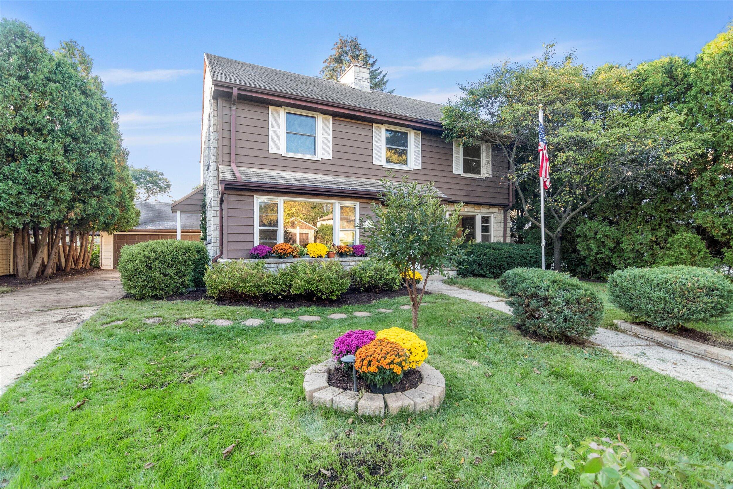 2465 Swan Blvd, Wauwatosa, Wisconsin 53226, 4 Bedrooms Bedrooms, 7 Rooms Rooms,2 BathroomsBathrooms,Single-Family,For Sale,Swan Blvd,1768269