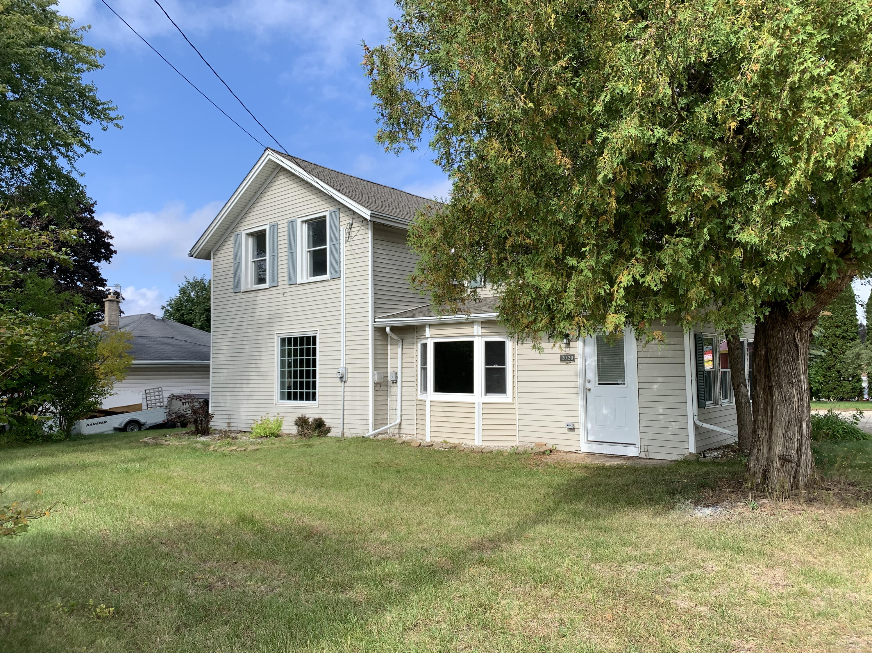 2020 Washington St, West Bend, Wisconsin 53095, 2 Bedrooms Bedrooms, ,2 BathroomsBathrooms,Single-Family,For Sale,Washington St,1768263