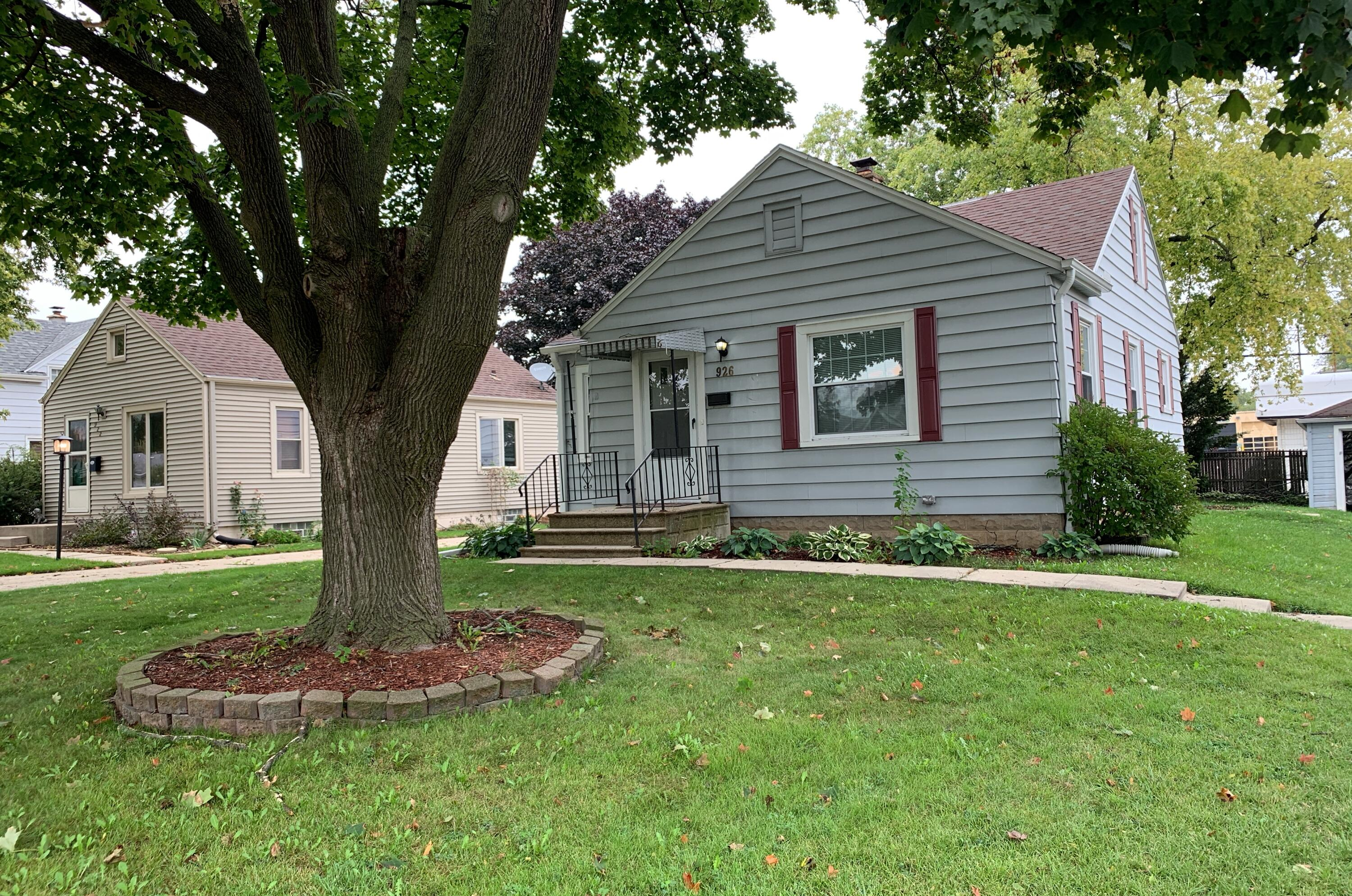 926 109th St, West Allis, Wisconsin 53214, 2 Bedrooms Bedrooms, ,1 BathroomBathrooms,Single-Family,For Sale,109th St,1768271