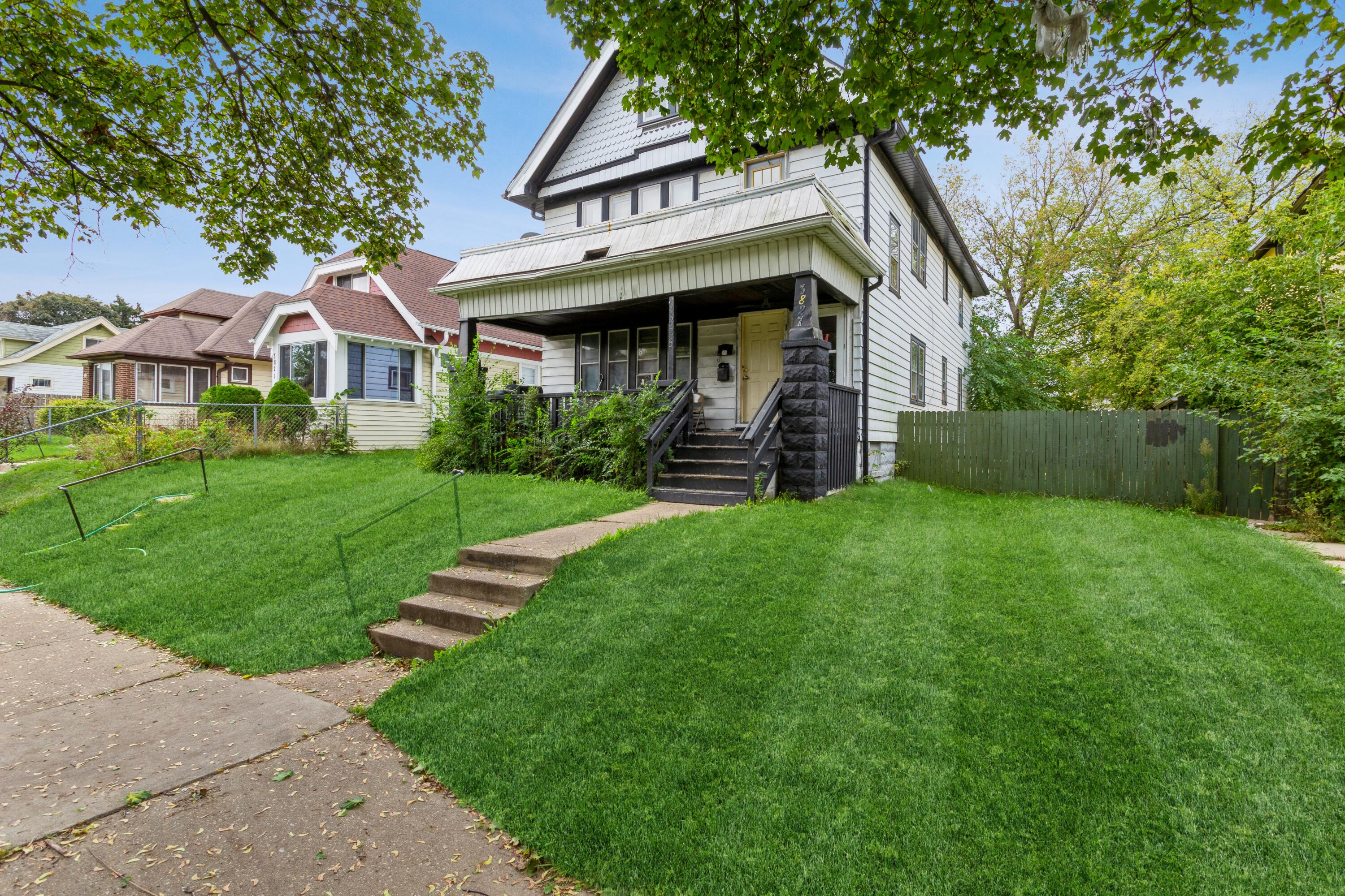 3825 10th St, Milwaukee, Wisconsin 53206, 2 Bedrooms Bedrooms, 5 Rooms Rooms,1 BathroomBathrooms,Two-Family,For Sale,10th St,1,1768274