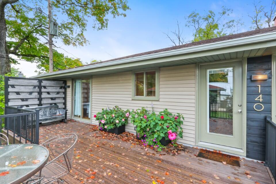 140 Lincoln Pkwy, Williams Bay, Wisconsin 53191, 3 Bedrooms Bedrooms, 7 Rooms Rooms,2 BathroomsBathrooms,Single-Family,For Sale,Lincoln Pkwy,1768297