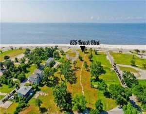 826 Beach Dr