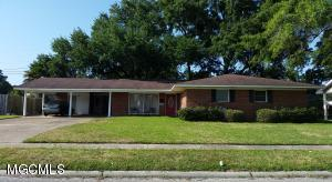 2107 Tucker Ave, Pascagoula, MS 39567