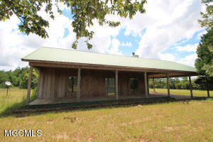 349 Angel Ln, Lucedale, MS 39452