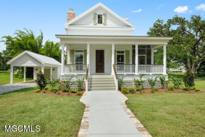 107 Citizen St, Bay St. Louis, MS 39520