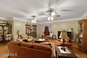 15048 Dantzler Rd Ocean Springs MS 39565