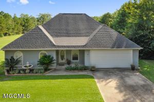 11273 Creek Dr, Gulfport, MS 39503
