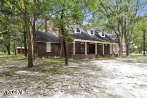 19001 Highway 613, Moss Point, MS 39562