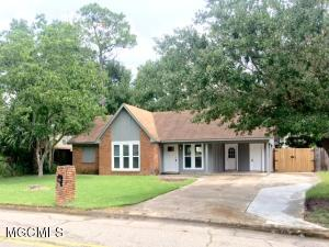 547 Meadow Dr, D'Iberville, MS 39540